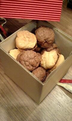 クッキーとクッキーの間にチョコが…