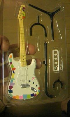 ミニチュアおれギター